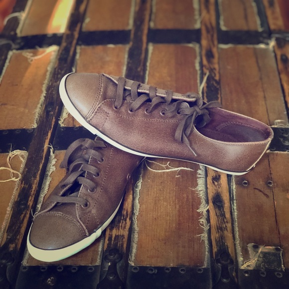 Low Top Thin Sole Chuck Taylor